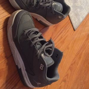 Jordan size  5.5Y  good condition